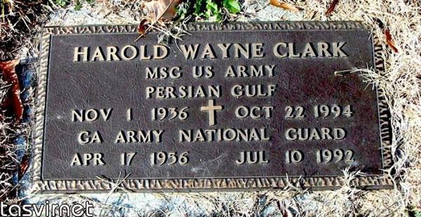 هارولد واین کلارک دیگر سرباز آمریکایی است که خلیج فارس بعنوان محل کشته شدن وی روي سنگ قبرش حک شده است.