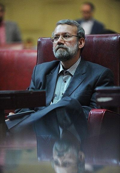 علی لاریجانی میگوید: ولعی برای ریاست مجلس ندارم و اگر رئیس نشوم ثلمه ای به اسلام وارد نمیشود.