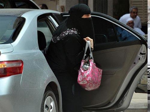 برخی از زنان سوار شدن بر ماشین های عمومی را تهدیدی برای خود می دانند.