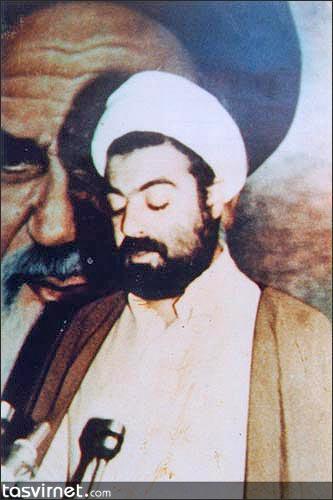 شهید شیخ راغب حرب از نخستین رهبران حزب الله لبنان بود. در شب جمعه 16 فوریه 1984 وی قرائت دعای کمیل را به پایان رساند و با تعدادی از دوستانش در خانهای در همسایگی خانه خود مشغول شب زنده داری شد. پس از خروج صهیونیستها بر وی آتش گشودند و وی را به شهادت رساندند.