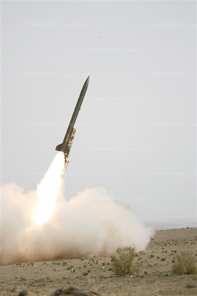 شلیک موشکهای نازعات 10 و فجر 5