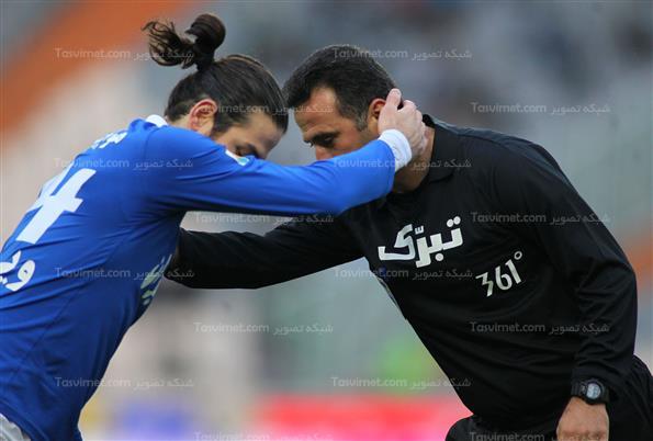 دیدار تیم های فوتبال استقلال و فجر سپاسی