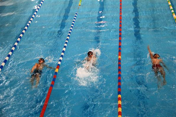مسابقات شنای دانش آموزان
