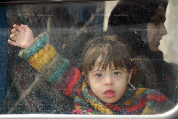 مراسم کاشت نهال توسط کودکان معلول ذهنی و جسمی