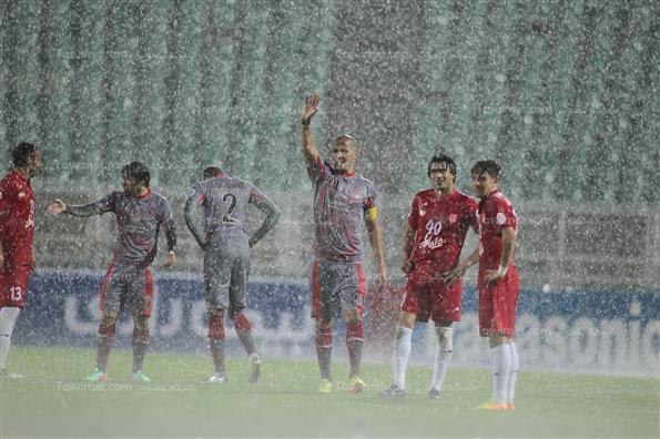 دیدار تیمهای فوتبال تراکتورسازی تبریز و لخویای قطر