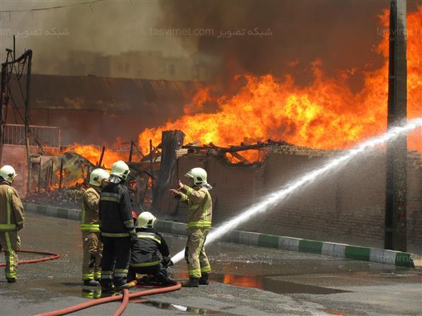 آتش سوزی در انبار و کارخانه فیلترسازی
