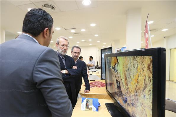 بازدید رئیس مجلس از نمایشگاه محصولات فناورانه پارک فناوری پردیس