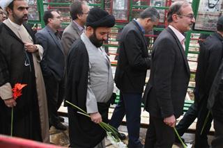 فرامرز توکلی, گلباران قبور شهدا توسط مسئولین استانی فارس