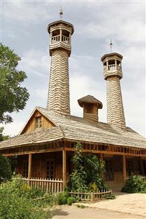 راضیه برمکی, مسجد چوبی نیشابور