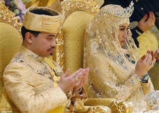 سپیده عباسقلی پور, عروسی مجلل پسر سلطان بروءنی